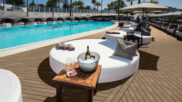 """El Ocean Club de Marbella, el """"chiringuito"""" de lujo donde Epicuro querría entrar"""