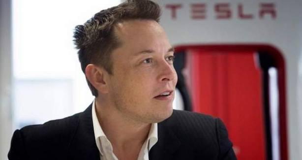 Un inversor demanda a Musk por su intento de sacar de bolsa a Tesla