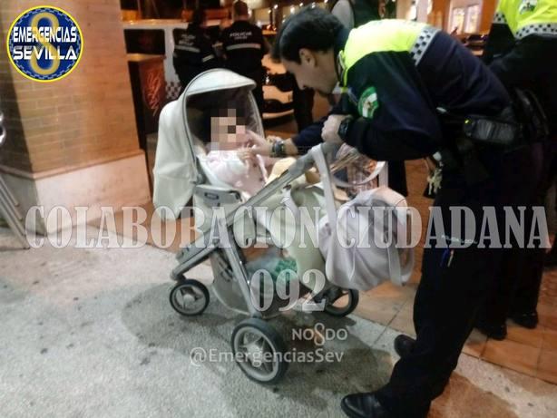 Policía Local de Sevilla pide colaboración ciudadana para localizar a los padres de una bebé que estaba sola en un bar