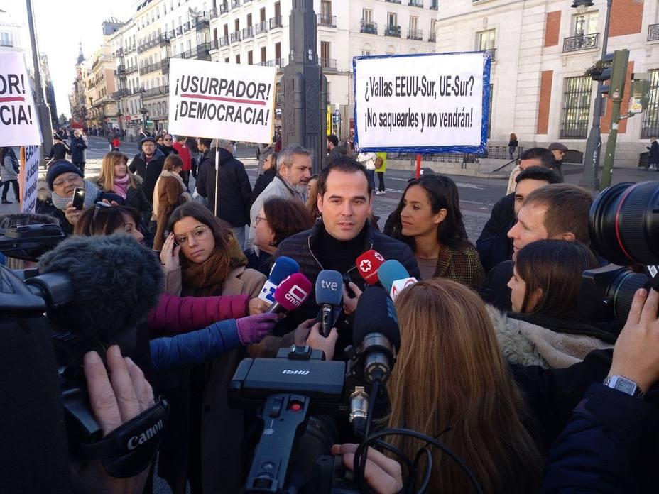Aguado se opone a los PGE fake del Gobierno y advierte de los favores pendientes de Sánchez con independentistas