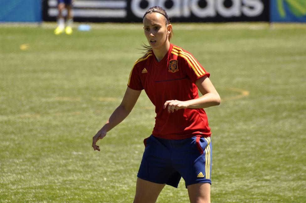 Virginia Torrecilla: Llevar el brazalete de la selección ha sido increíble