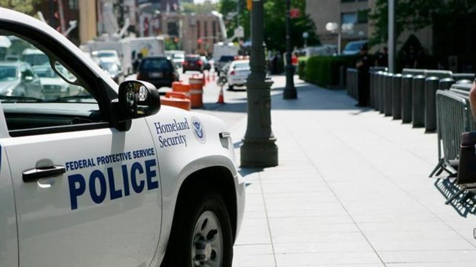 Abatido a tiros un hombre que pretendía incendiar un centro de inmigrantes en Washington