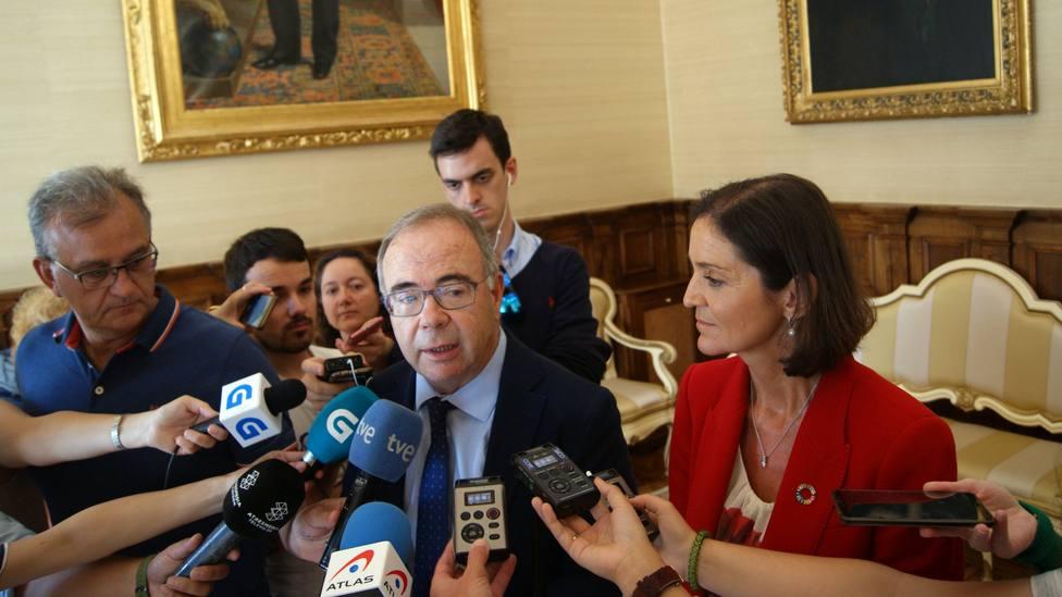 Compostela Aberta y PSdG se enzarzan en las redes a cuenta de un retrato de Ánxel Casal