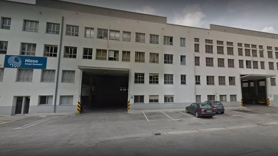 Fallece un trabajador en una fábrica de hierros de Corvera