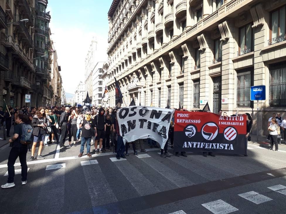 Unos 250 antifascistas se manifiestan contra el 12 de octubre en Barcelona