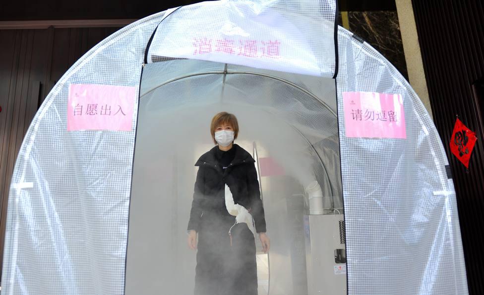 La provincia de Hubei confirma 14.840 nuevos contagios y 242 muertes tras reajustar el método de cálculo
