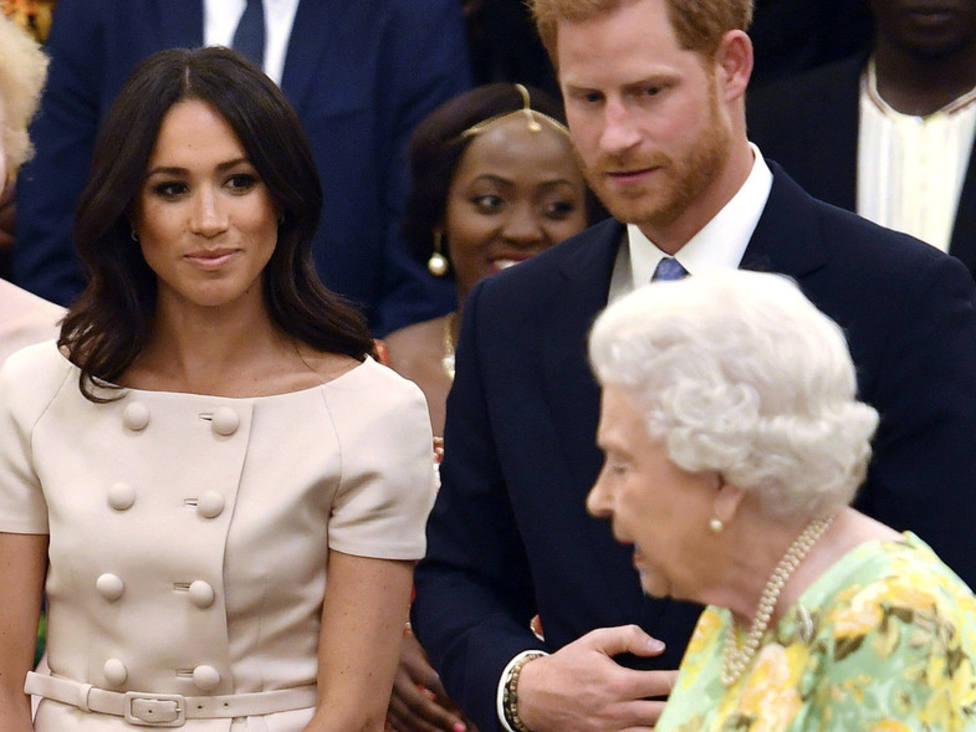 Meghan Markle, el príncipe Harry e Isabel II