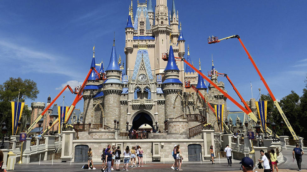 La NBA, en conversaciones con Disney para acabar la temporada en Orlando