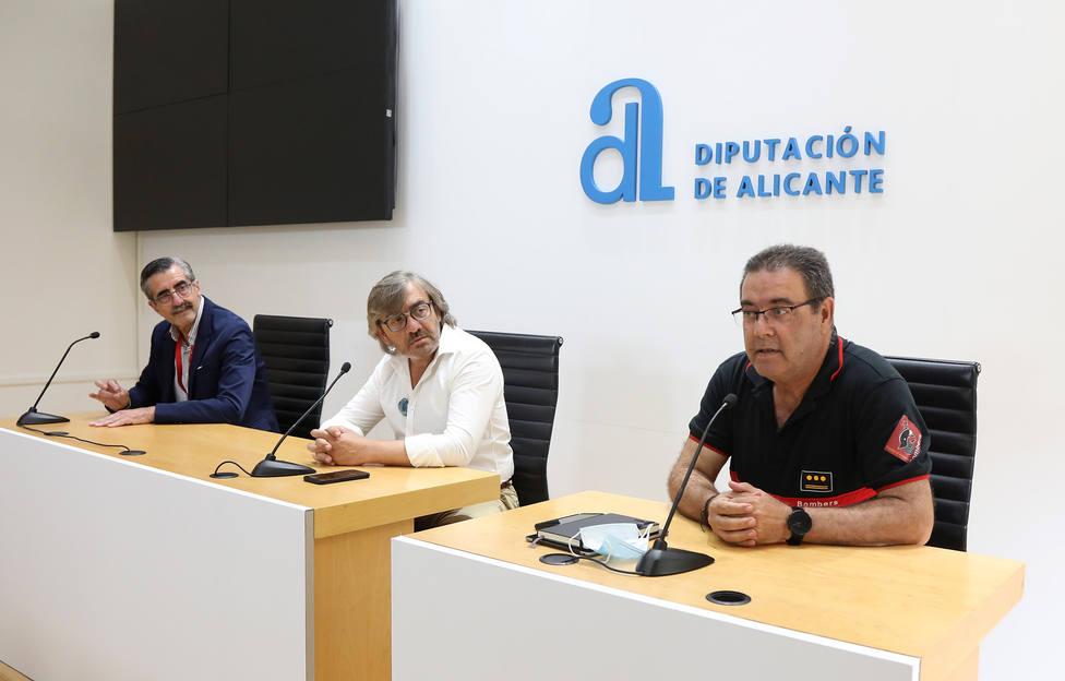 Presentación del dispositivo especial de verano de bomberos (Diputación)