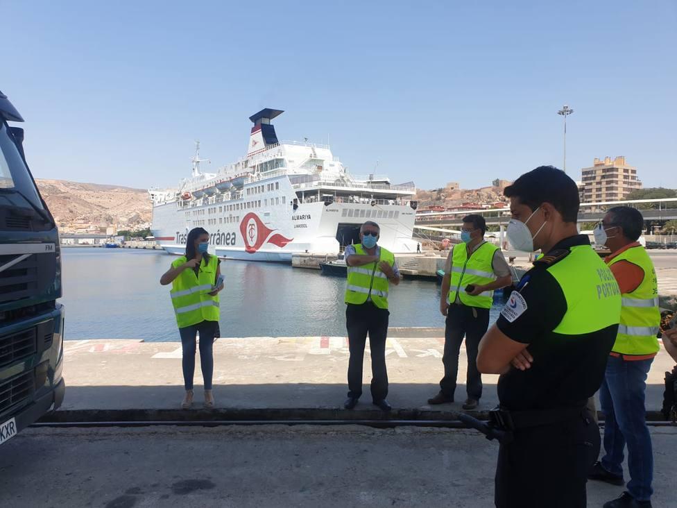El Puerto de Almería, preparado para suministrar gas natural licuado a los ferris