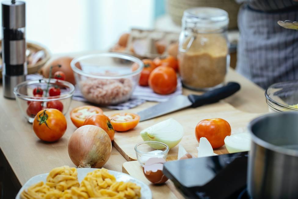 Estos son los ingredientes que nunca deben faltar en tu cocina