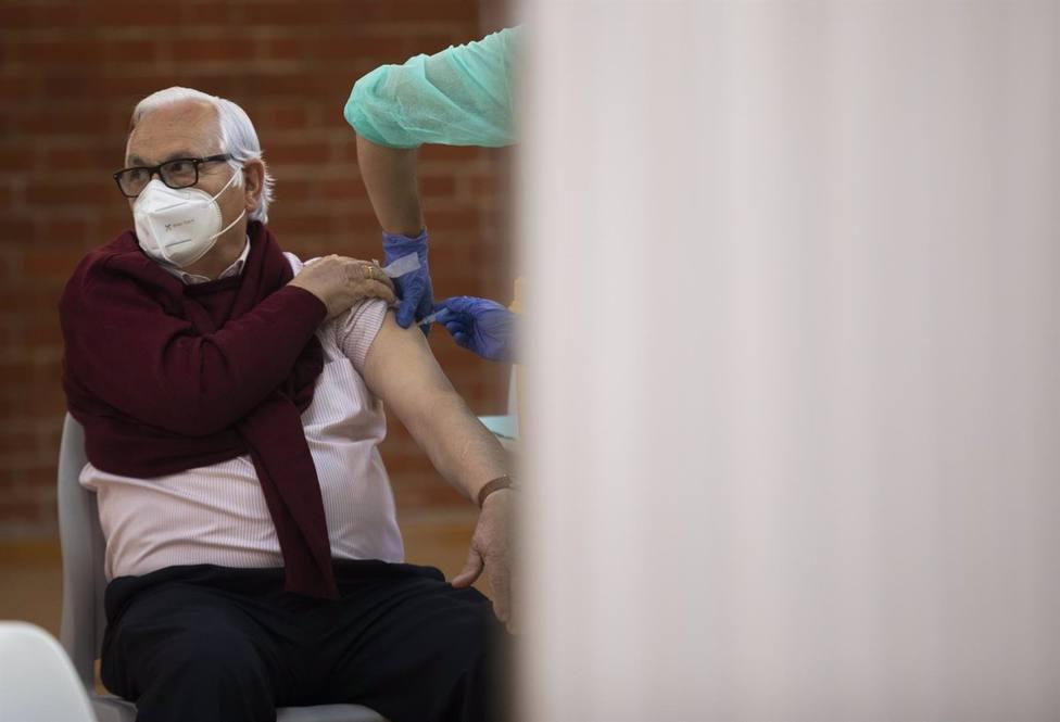 Coronavirus.- El Ayuntamiento de Mérida y SES colaboran en la preparación de Ifeme para la vacunación masiva