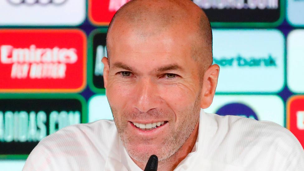 Zinedine Zidane, en rueda de prensa en las instalaciones del Real Madrid en Valdebebas. EFE