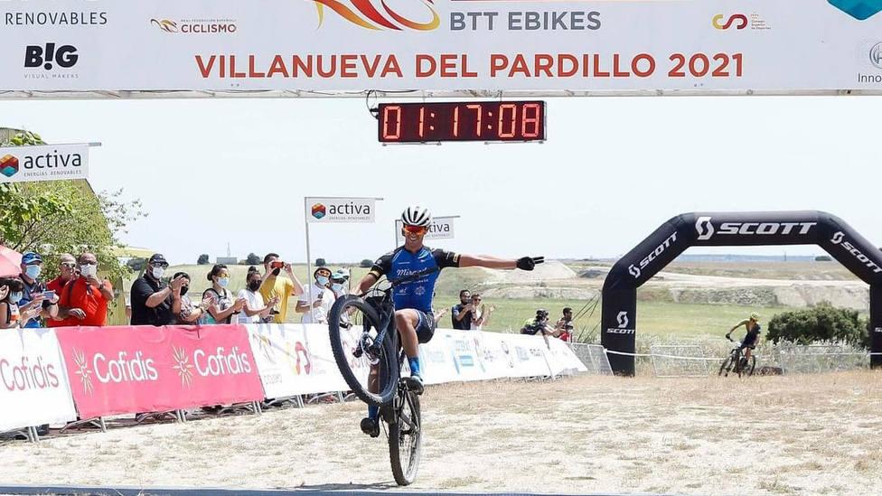 El motrileño Alberto Mingorance, primer campeón de España de bicicletas de montaña eléctricas