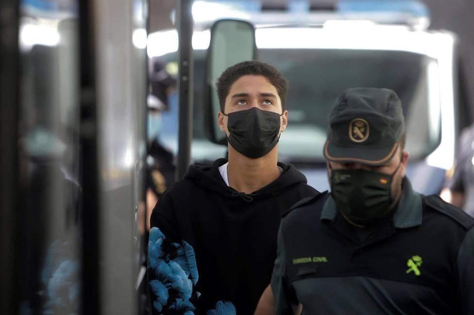 Uno de los detenidos por el crimen de Samuel tras declarar en el Juzgado de Instrucción número 8