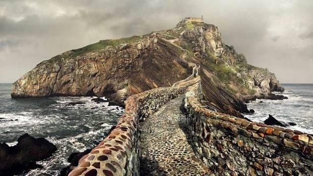 Fallece un varón cuando subía las escalinatas de San Juan de Gaztelugatxe, en Bermeo (Vizcaya)