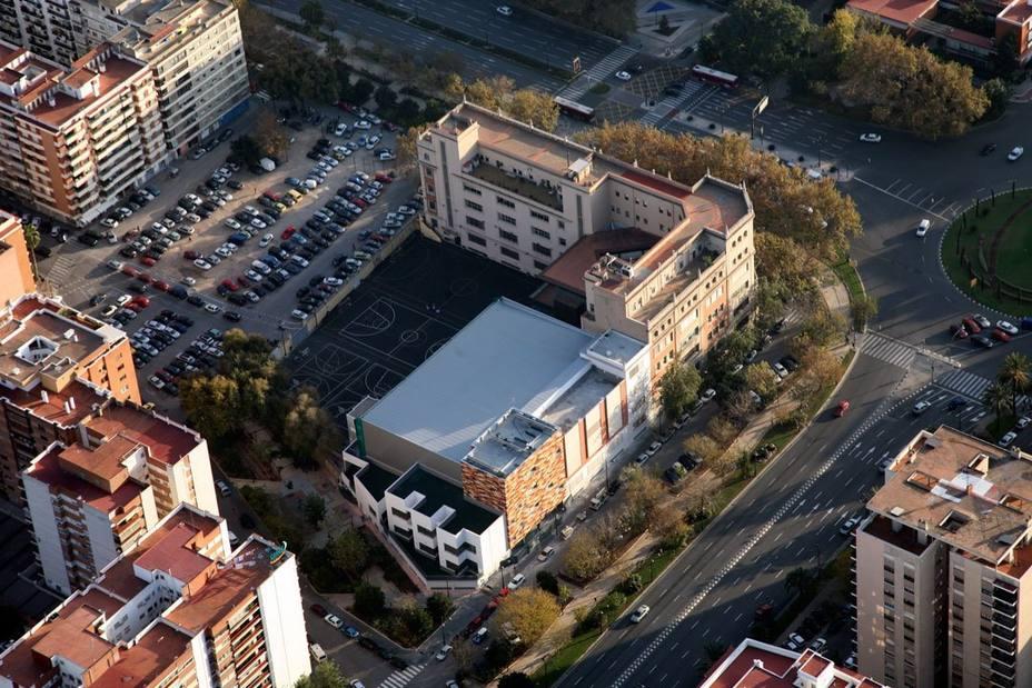 El colegio de la chica fallecida en Valencia pide respeto a su intimidad y colabora para esclarecer los hechos