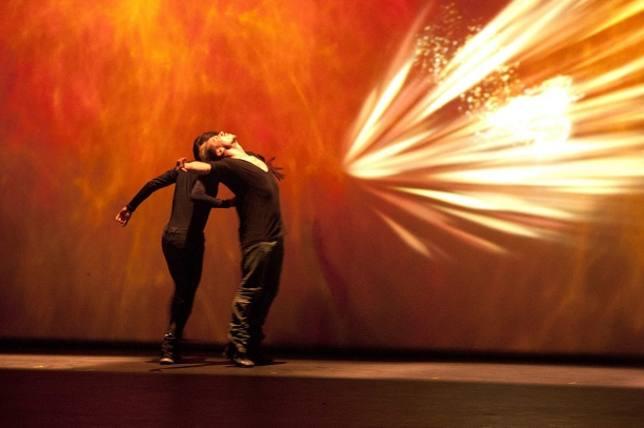 El Auditorio regional acoge Titanium, espectáculo que fusiona flamenco con danzas urbanas