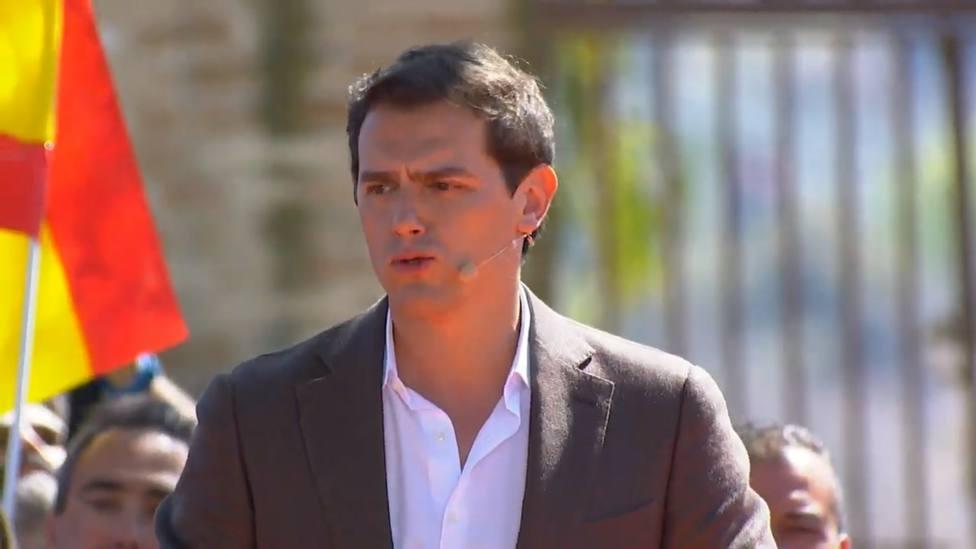 Rivera acusa Sánchez de estar callado ante la manifestación de Madrid por miedo a que le quiten las llaves de Moncloa