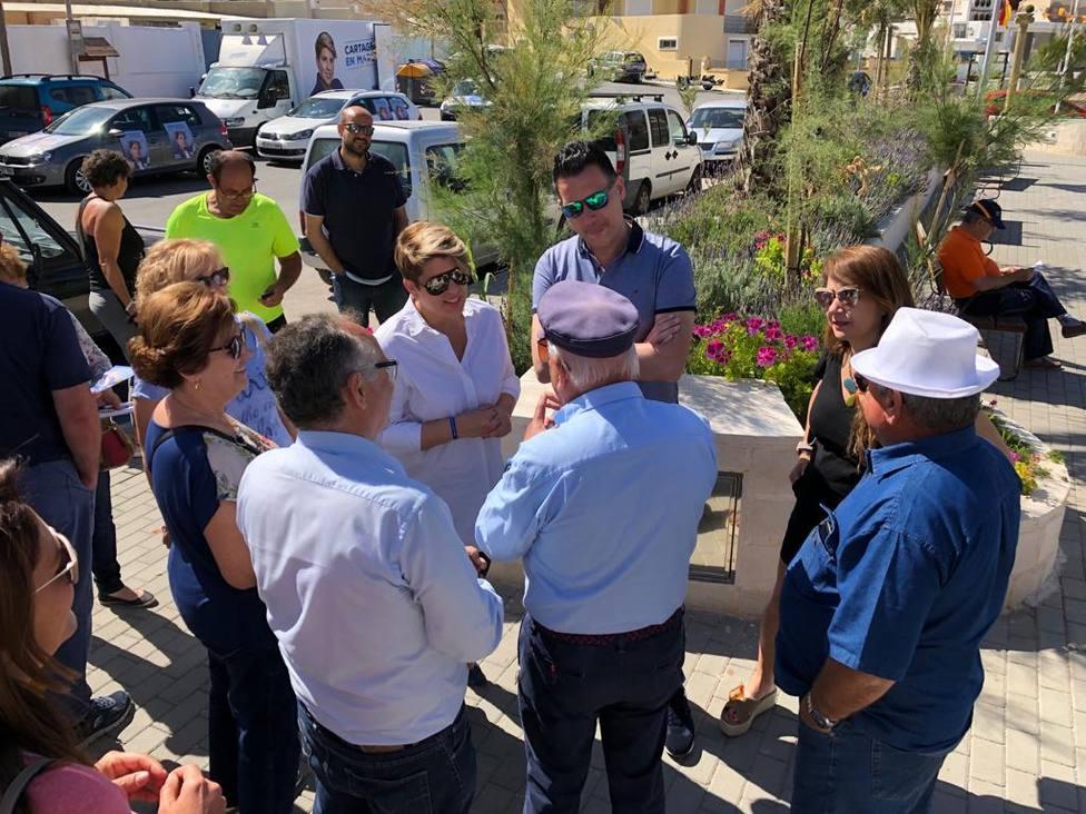 Arroyo critica la desidia del ayuntamiento en el litoral oeste