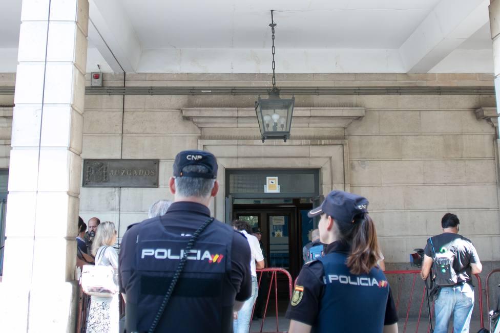 El condenado a 20 años por matar a su mujer en Alcolea (Sevilla) pide pagar indemnización a 10 euros al mes