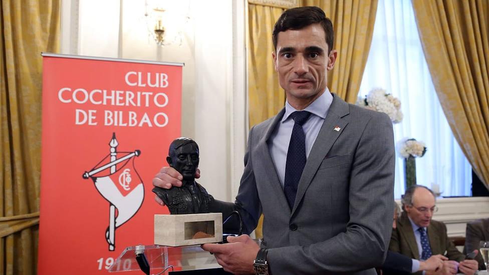 Paco Ureña durante el homenaje recibido en en Club Cocherito de Bilbao