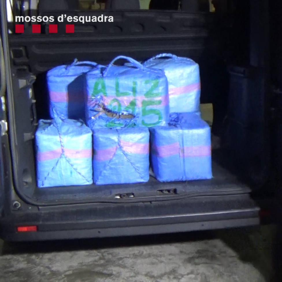 Detenidos tres hombres en Rosas