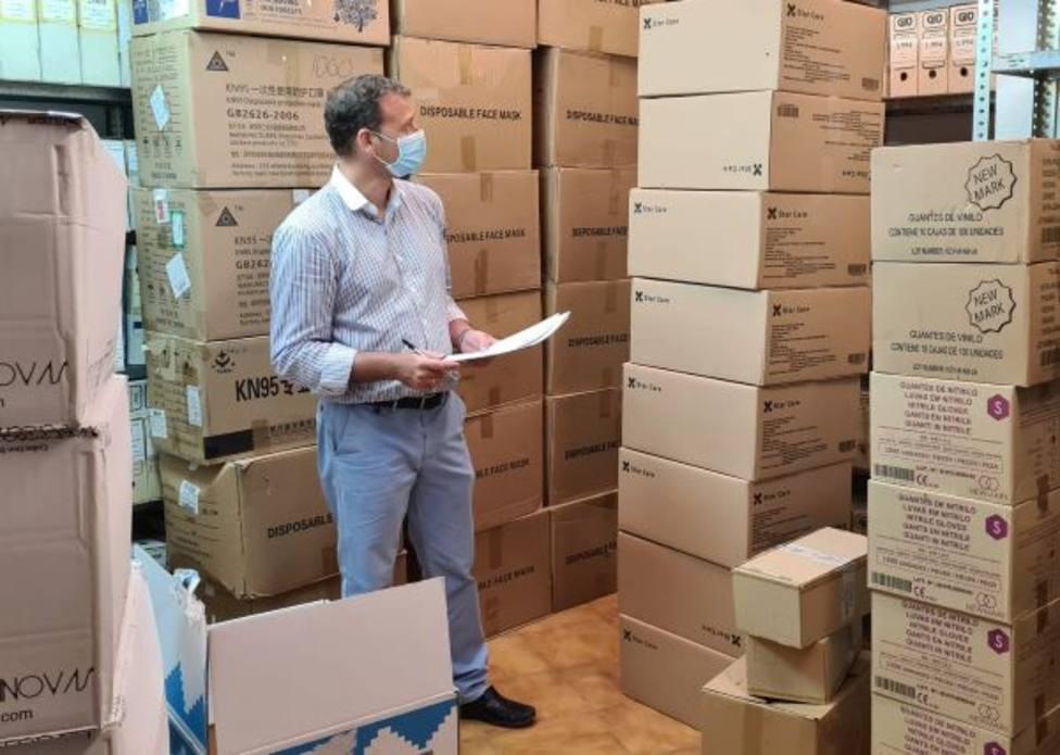 El Ayuntamiento tiene almacenadas 52.000 mascarillas y 20.000 guantes para el personal municipal