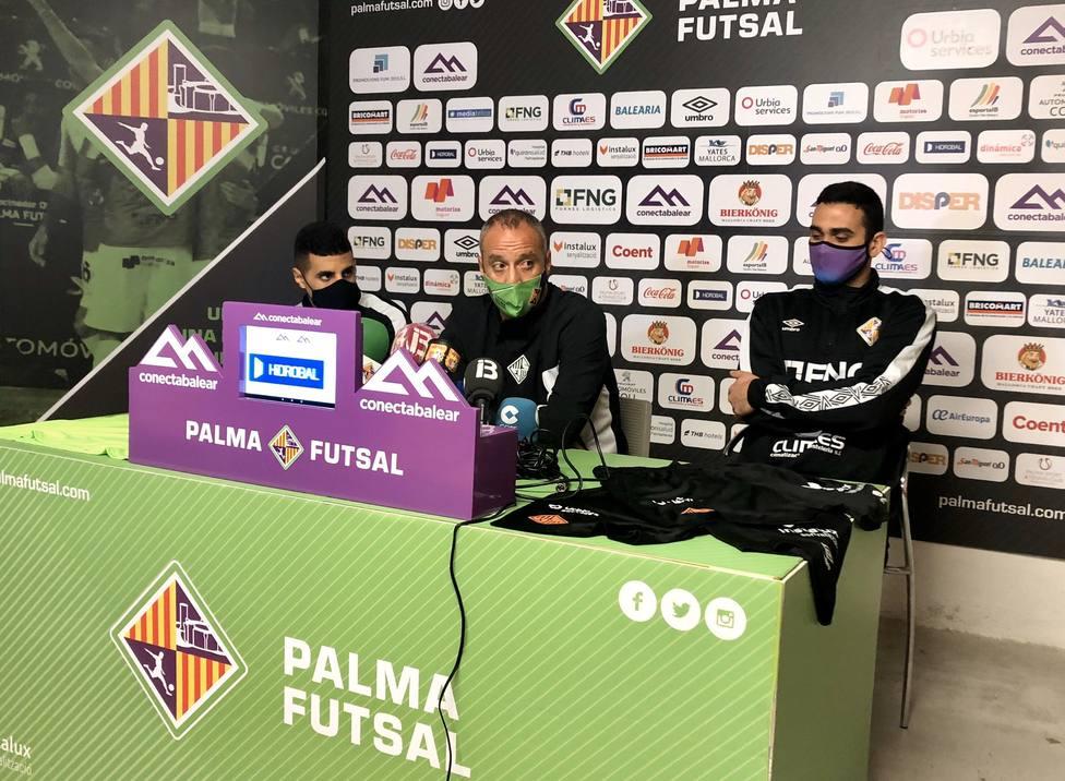 Vadillo, Tomaz y Hamza en rueda de prensa