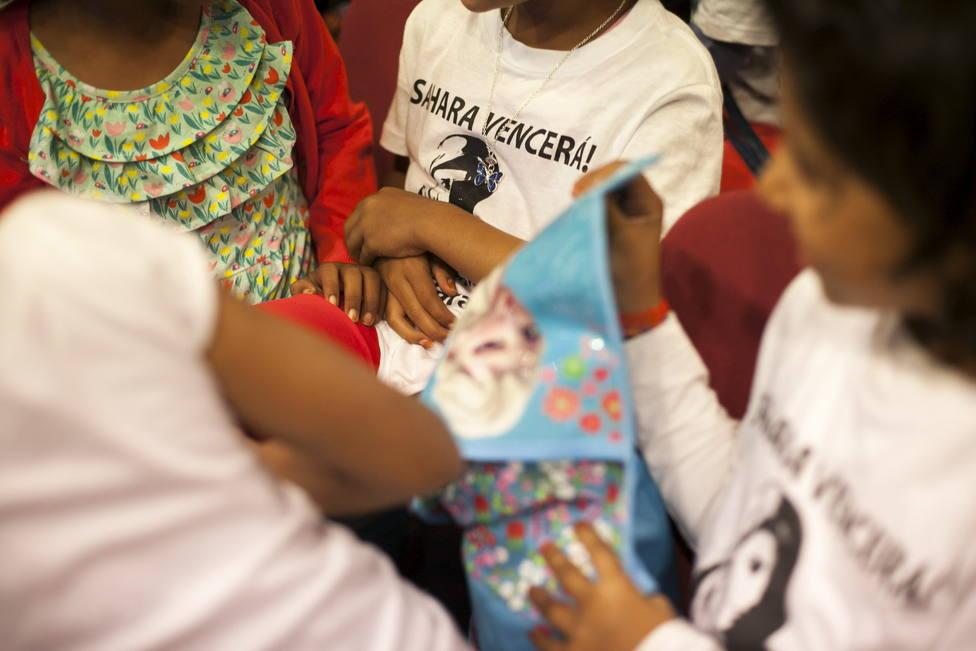 Narón colabora con el programa Vacaciones en Paz para niños/as saharauis. EFE/Ángel Medina G.