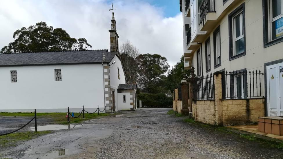 Travesía de la iglesia de Covas, en el municipio de Viveiro