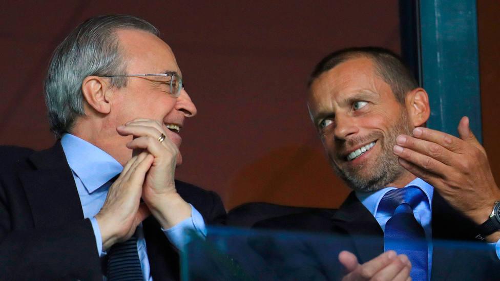 Florentino Pérez y Alexander Ceferin, presidentes del Real Madrid y de la UEFA, respectivamente. CORDONPRESS