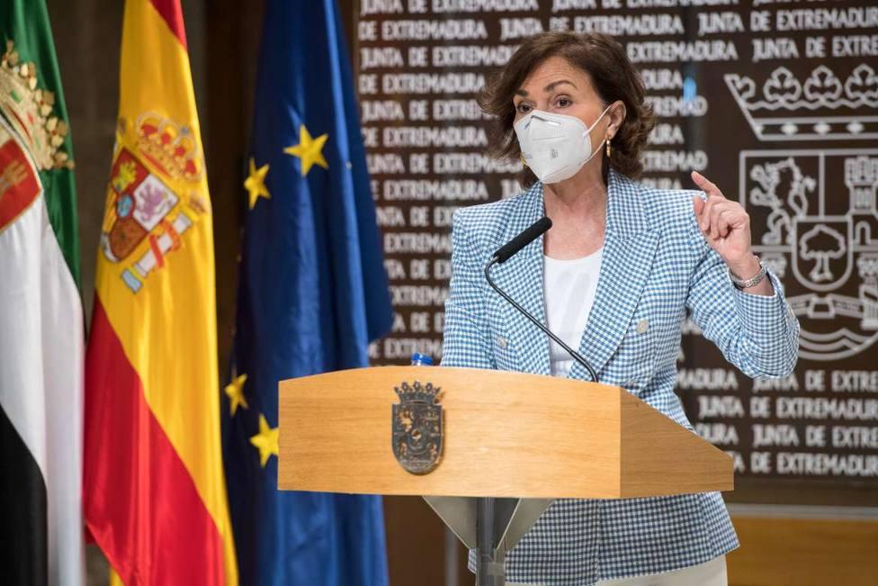 Carmen Calvo, vicepresidenta del Gobierno, en rueda de prensa en Mérida. Foto: Juntaex