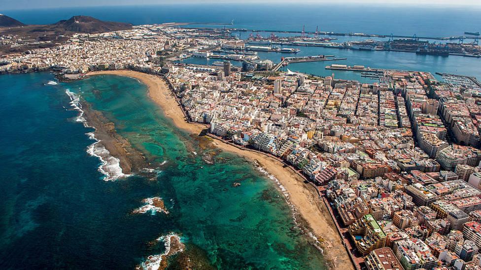 Canarias ganó en 20 años casi medio millón de habitantes