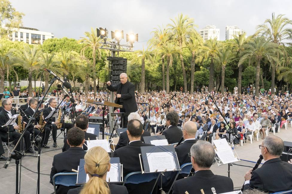 ctv-xlw-0601-concerts-de-la-banda-simfonica-als-jardins-del-palau-2