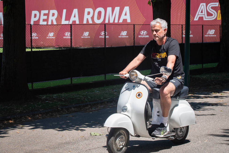 José Mourinho será técnico de la Roma hasta 2024
