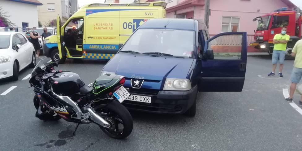 El accidente tuvo lugar en la Avenida Castelao de Neda. FOTO: Protección Civil Neda