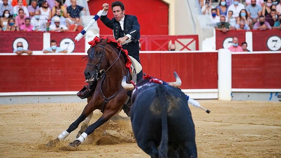 Leonardo Hernández durante su actuación este domingo en Albacete