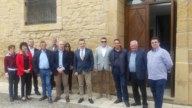 Escobar con los alcaldes de la zona