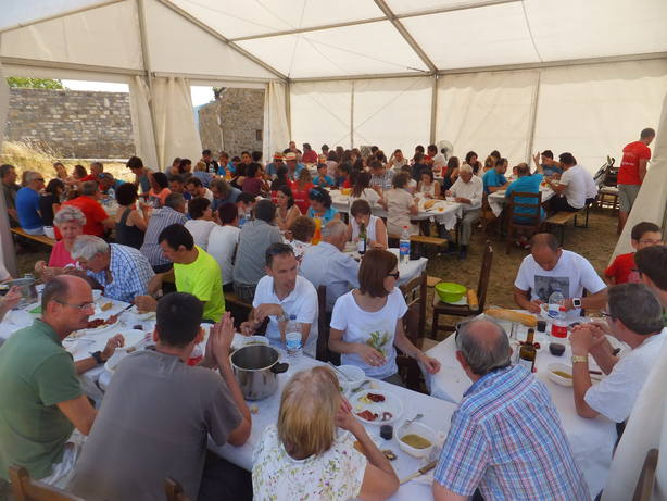Comida popular de las fiestas de Aratorés