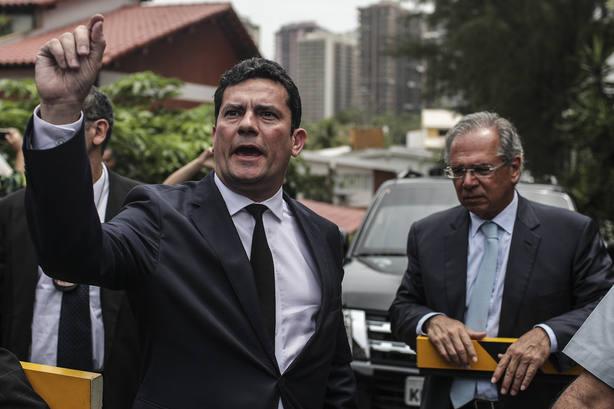El juez Sergio Moro acepta invitación de Bolsonaro para Ministerio de Justicia