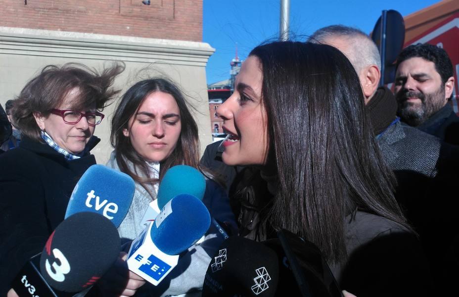 Arrimadas: Estos PGE son simplemente el intercambio de cromos que Sánchez necesita con Torra para seguir en Moncloa