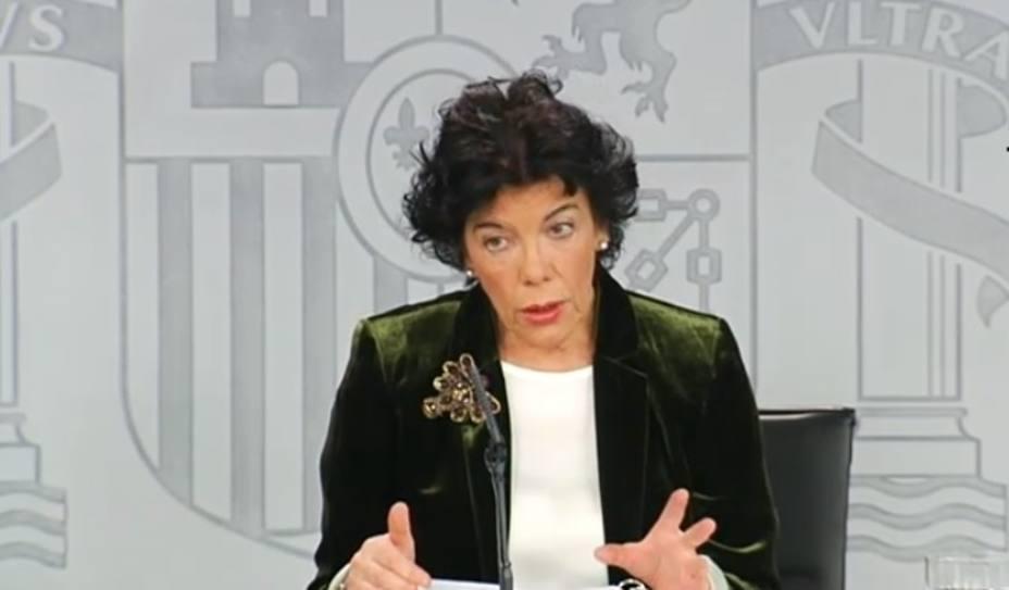 Celaá acusa a las tres derechas de pedir la salida de Sánchez y acusarle de traidor con fundamentos falsos