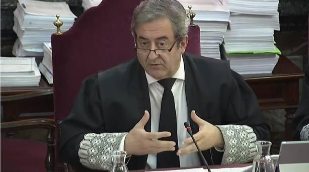 Fiscal denuncia que se quiera sentar al Estado en el banquillo cuando el juicio es en defensa de la democracia
