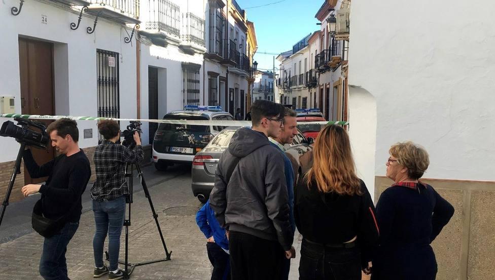 Un hombre hiere de gravedad a una mujer y se suicida en Bollullos (Huelva)
