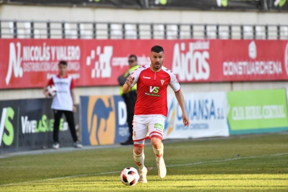 Víctor Curto seguirá un año más en el Real Murcia