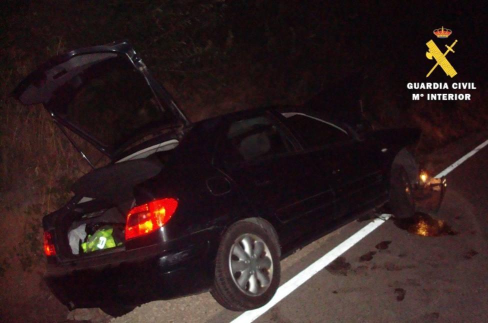 La Guardia Civil investiga a un conductor que dio positivo tras sufrir un accidente en Cardeñadijo
