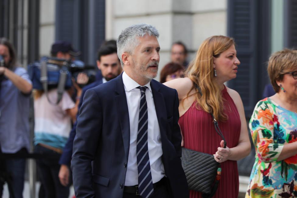 Marlaska supedita el reconocimiento como agentes de la autoridad de los funcionarios de prisiones a que haya Gobierno