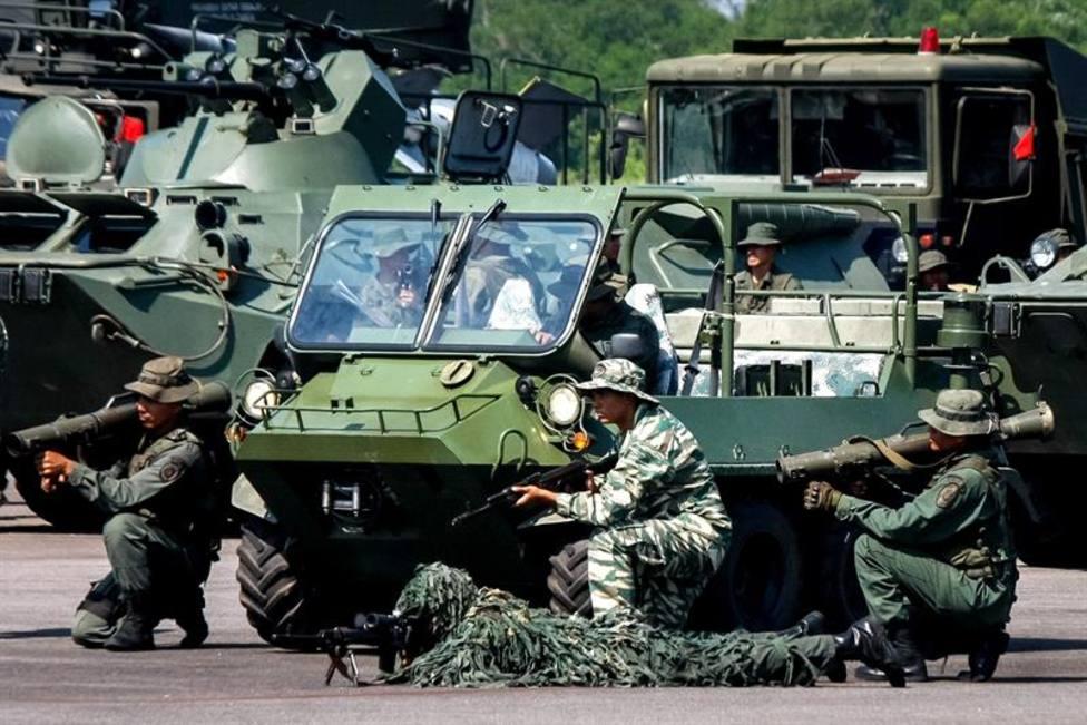 Venezuela inicia los ejercicios militares en plena frontera con Colombia
