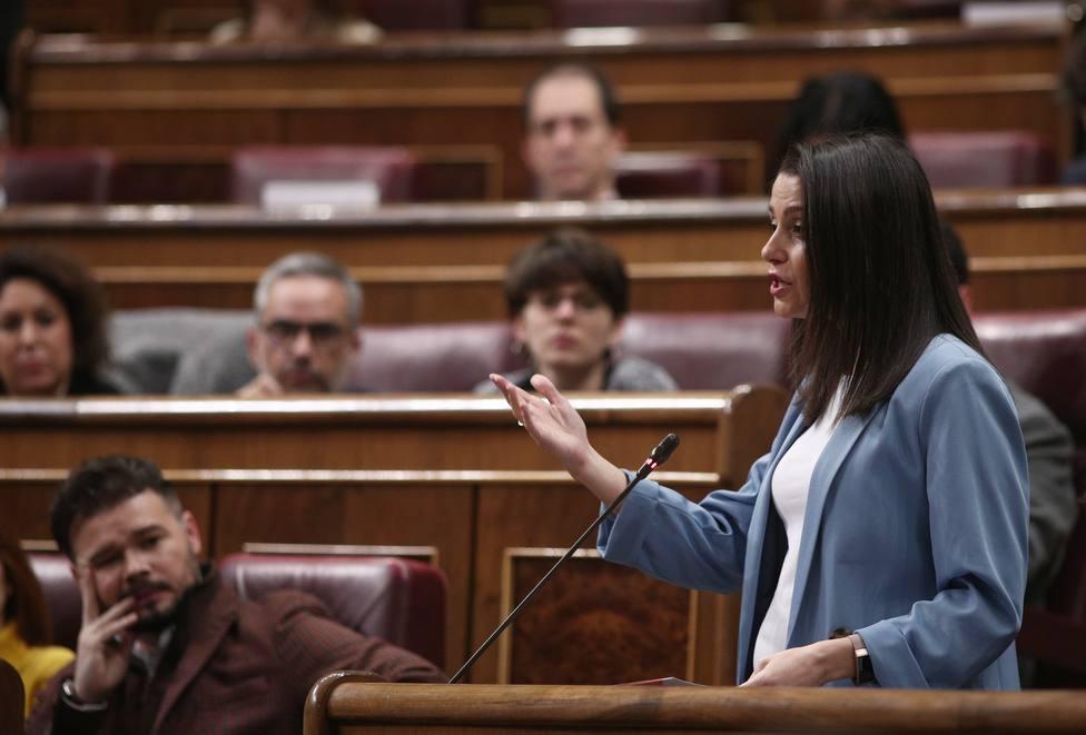 Arrimadas insta al PP a intentar sumar en Galicia con una fórmula que garantice la autonomía de Ciudadanos